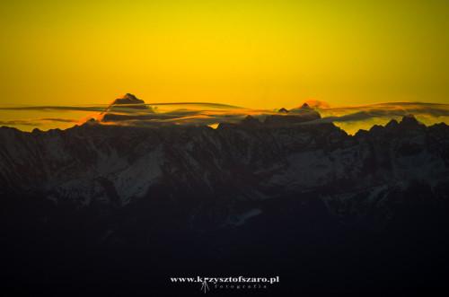promienie już docierają do Tatrzańskich szczytów...