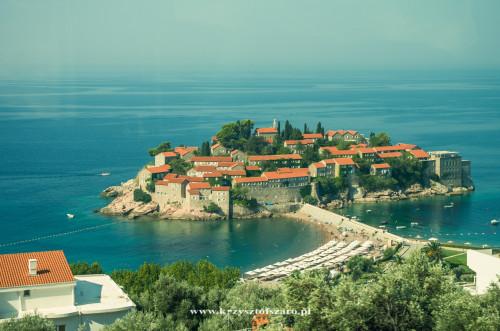 mijamy słynna wyspę/hotel Sveti Stefan