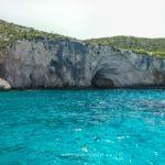 pełna życia i podwodnych jaskiń....