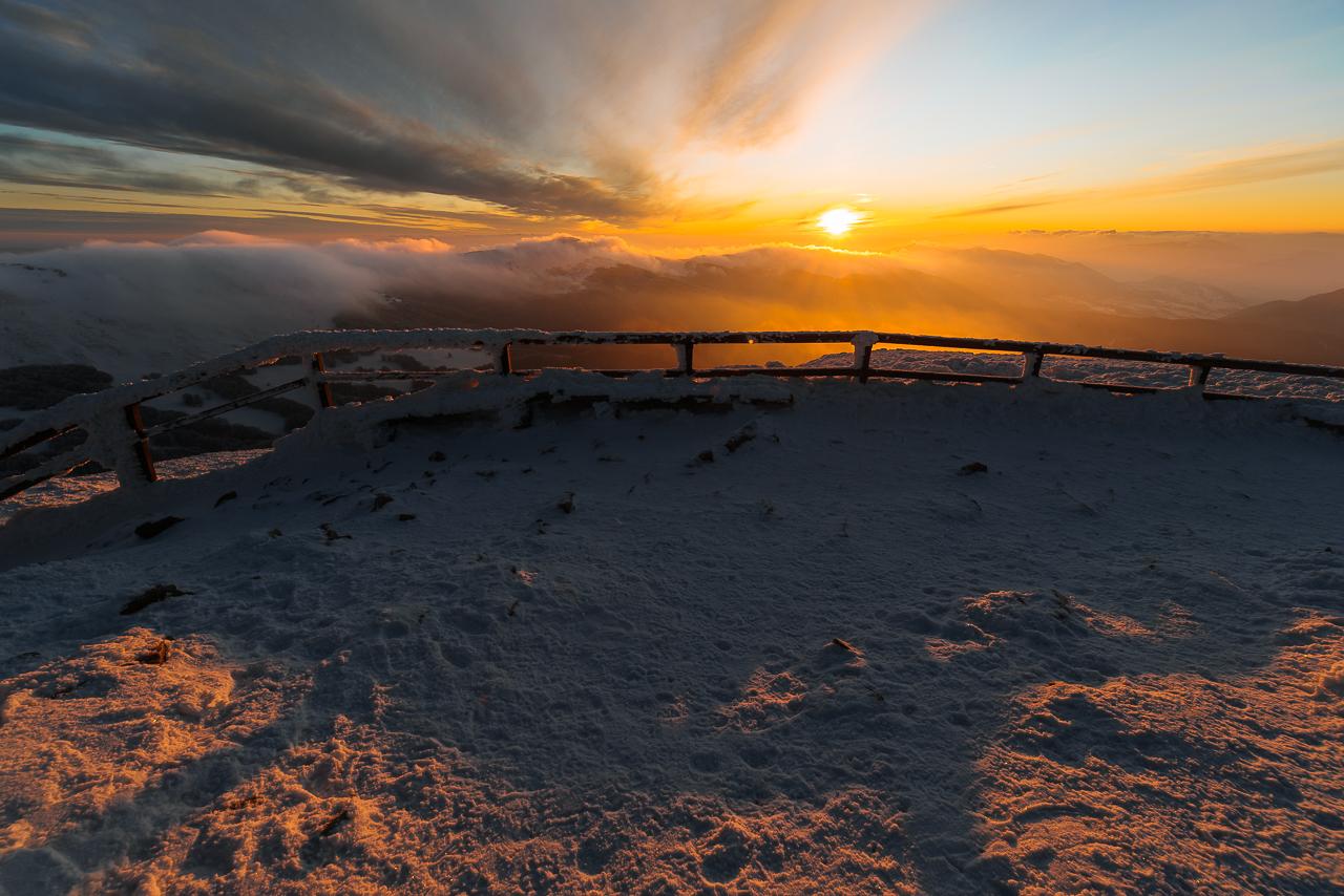 słońce w końcu wyszło nad horyzont